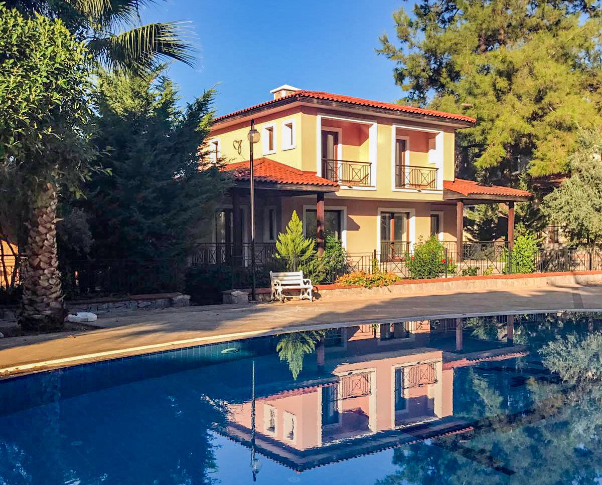 Semi-detached villa for sale in Göcek